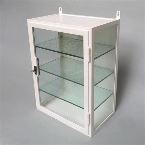 Retro Medicine Cabinet Vintage Medicine Cabinet 1940s At 1stdibs