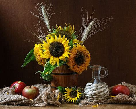 Kitchen Centerpiece Ideas Eye Catching Vase Arrangements That Tickle Your Fancy