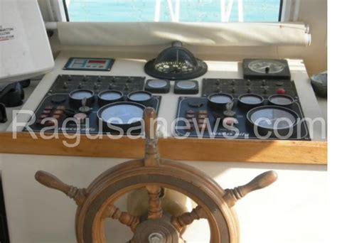 banca nuova ragusa aaa causa inutilizzo vendo barca usata come nuova