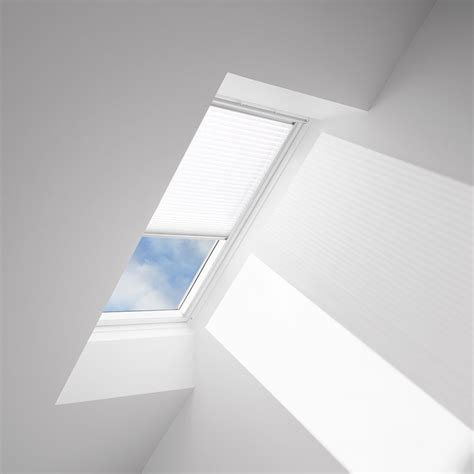 Dachfenster Rolladen Velux by Velux Light Filtering Skylight Blinds Solar And Manual
