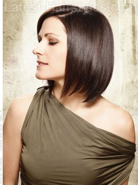 layered bob side view a line layered bob side view hair pinterest