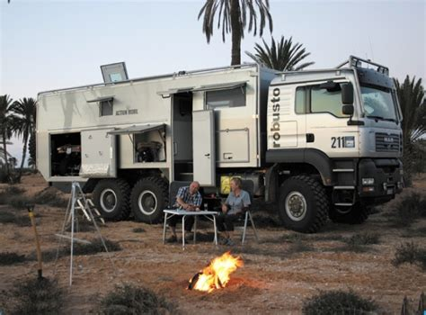 survival truck interior action mobil globecruiser robusto cing pinterest