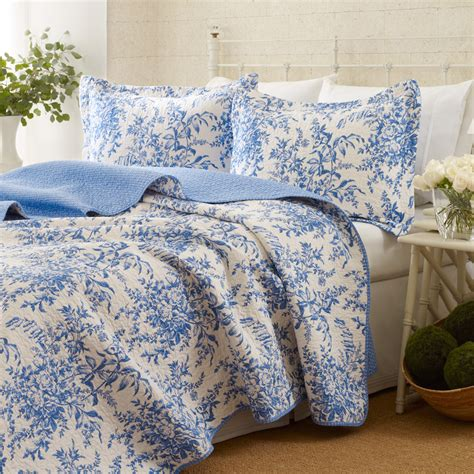 Blue Coverlet Bedford Quilt Set From Beddingstyle