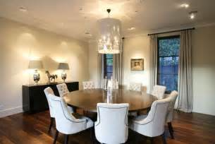 17 modern dining rooms with round dining tables
