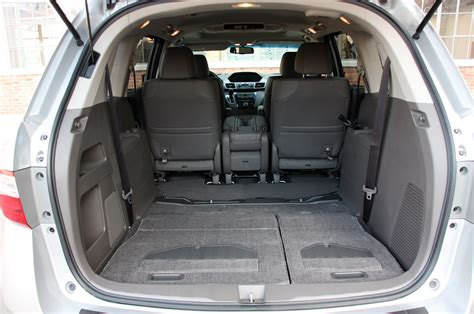 Honda Odyssey Interior Dimensions by Pros And Cons Of 2011 Nissan Altima Autos Post