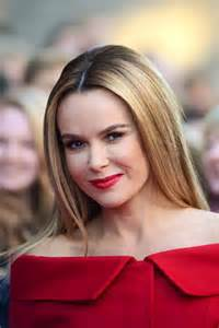 britain talent judge amanda holden showcases hd brows style amp style express
