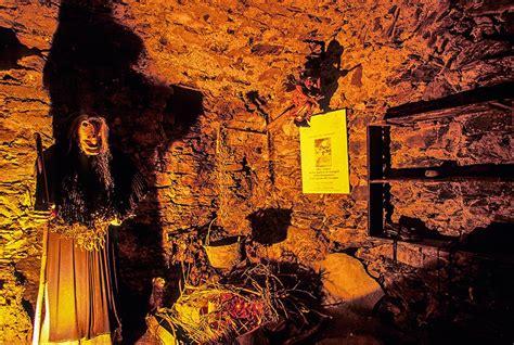 libreria esoterica genova esoterismo potere delle erbe processi a triora apre il