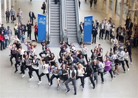 tutorial dance flash mob flash mob at st pancras international