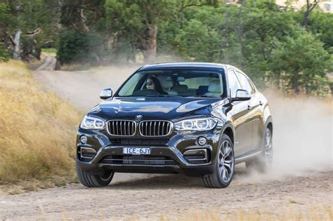 land rover bmw comparison bmw x6 xdrive50i 2015 vs land rover range