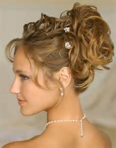 This is a sweet and cute hairstyle for wedding it s simple to