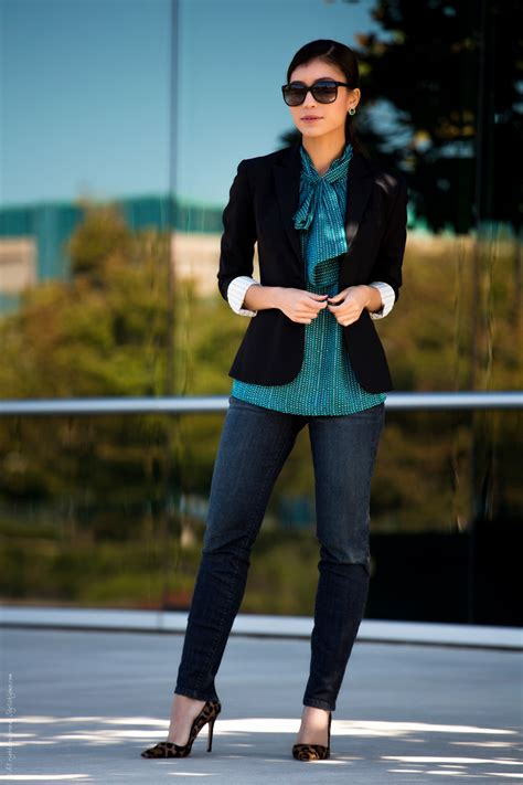 how a woman should dress on a friday night at fifty 3 stylish casual friday fall outfits