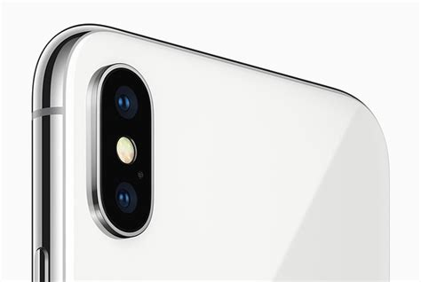 iphone   galaxy    offers impressive features