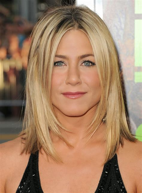 shoulder length medium hairstyles for round faces over 40