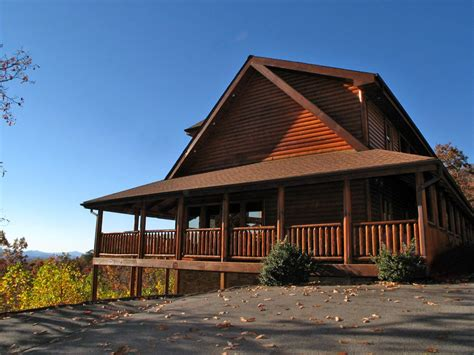 gatlinburg cabin rental big lodge cabin in gatlinburg w 5 br sleeps26