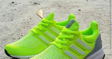 Sepatu Sport Casual Pria Adidas Canadia Tr2 sepatu adidas ultra boost cewek terbaru