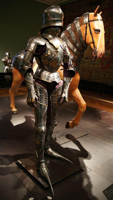 File:HJRK A 60 Plate armor of Maximilian I, c. 1485 Wikimedia Commons
