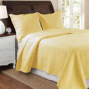 Modern Diamond Stitch Matelasse Light Yellow Quilt Bedding Set