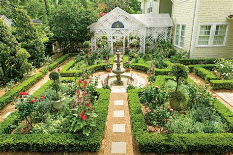court yards inspired courtyard classic courtyards southern