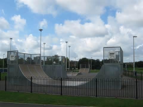 Bor Newton skate board park newton aycliffe 169 robinson cc by sa