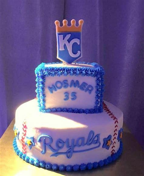 Cake Decorators In Kansas City by Kansas City Royals Buttercream Cake With Fondant