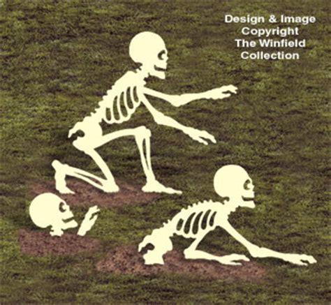 skeletons spiders rising skeletons woodcrafting pattern