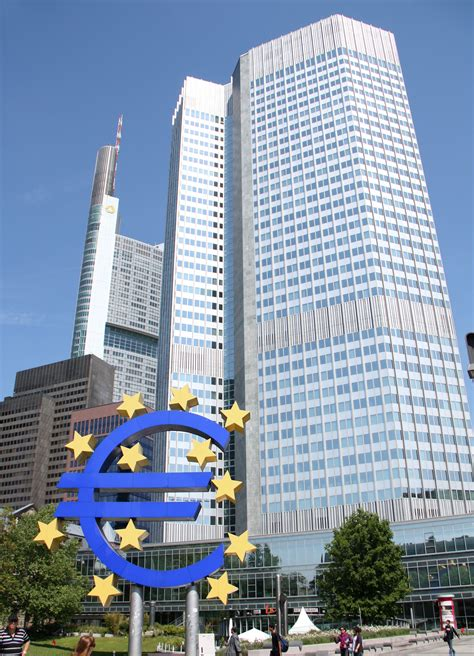 ezb bank file frankfurt eurotower ezb jpg wikimedia commons