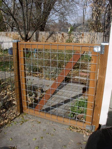 Garden Fence Ideas For Dogs Diy 2x4 Wire Filled Gate Not Pretty But Would Keep The Dogs In Projects Pinterest Gate