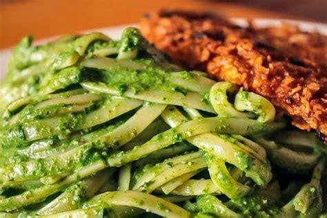 imagenes de tallarines verdes con bistec receta de tallarines verdes con bistec que rico