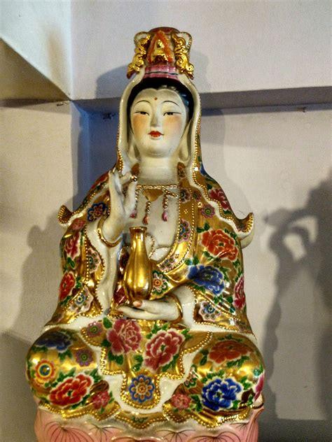 Pajangan Dewa Dewi jual patung dewi kwan im 3 dhammamanggala