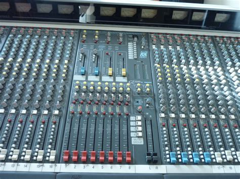 Mixer Allen Heath Gl3300 allen heath gl3300 28 8 4 2 image 330723 audiofanzine