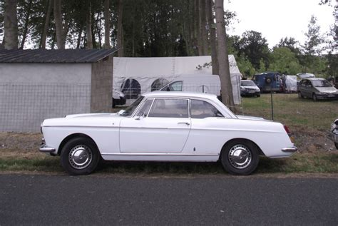 peugeot 404 coupe cohort sighting peugeot 404 coupe franco italian elegance