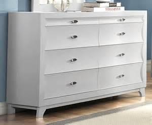 akeela contemporary black or white 8 drawer dresser