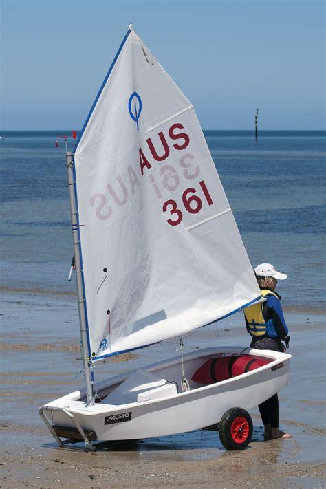 sailboat dinghy optimist dinghy wikipedia