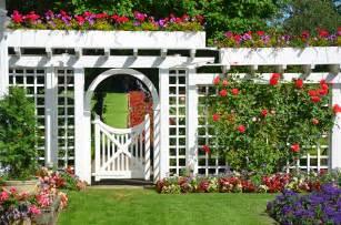Backyard Trellis Designs by Garden Trellis Design Amp Construction Dallas Servant