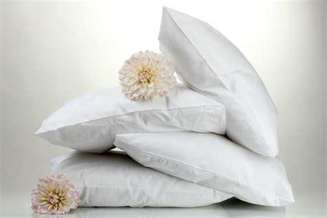 dormire senza cuscino come lavare i cuscini letto mamma felice