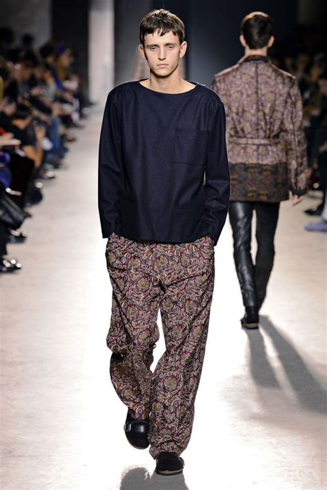 Menswear Chic At Dries Noten Gets A Twist By Wearing The Necktie Like A Harness Its A Snap To Capture The Spirit Without Breaking The Bank Fashiontribes Fashion by Fashion Week Dries Noten Fall Winter Boho S