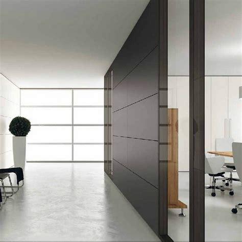 las mobili per ufficio parete divisoria in vetro o cieca modello ideal sedia