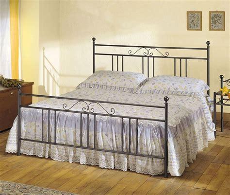 arredamento ferro battuto letto in ferro battuto modello ines arredamento zona notte
