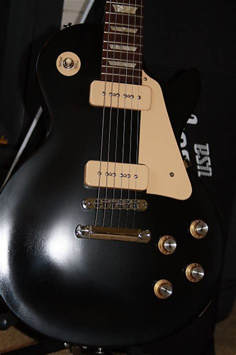 Gibson Lp Cery Free Softcase gibson les paul studio 60s tribute p90 2012 satin