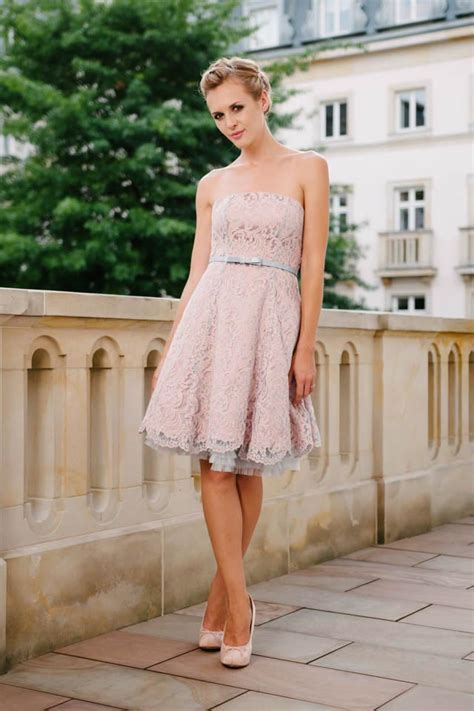 brautkleid rosa kurz standesamtkleid kurz mit atemberaubender vintage spitze