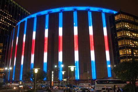 madison square garden madison square garden s outside to light up with team