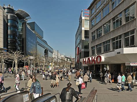 zeil frankfurt zeil street in frankfurt am main germany sygic travel