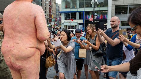 Photos Of Nyc S Naked Trump Statue The Verge