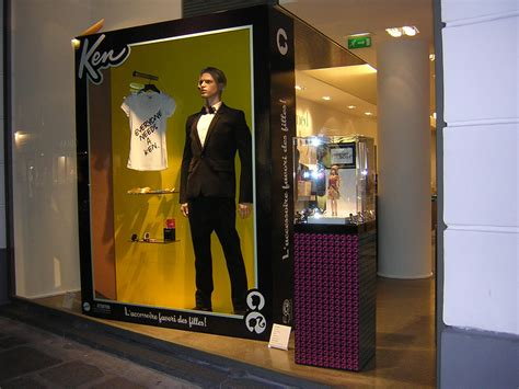 store windows fashion windows is a great place to learn more about