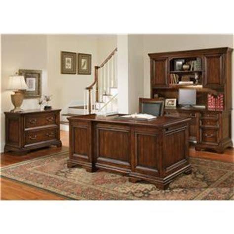 wynwood woodlands executive desk wynwood a flexsteel company woodlands traditional