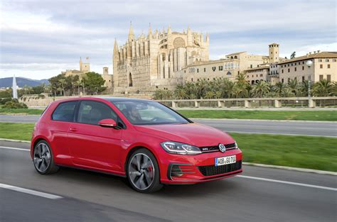 Volkswagen Gti by 2017 Volkswagen Golf Gti Review Caradvice