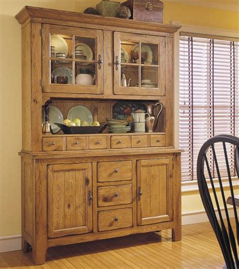 Attic Heirlooms Dresser by Broyhill Furniture Attic Heirlooms Buffet With Storage