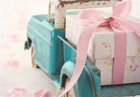 How Much Should You Spend on a Wedding Gift?   DailyWorth