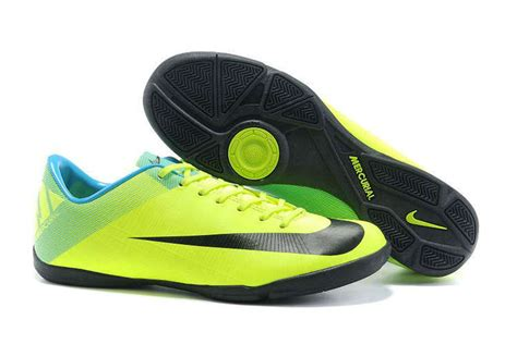 Harga Nike Superfly 301 moved permanently