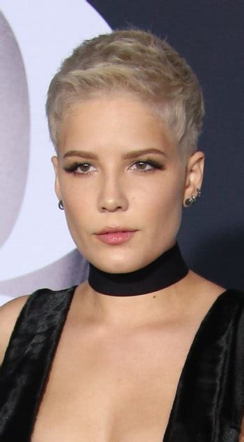 halsey hot long hair celebrity hairstyle news halsey with a hot new hair color